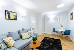 ClickTheFlat Copernicus Science Centre Serviced Apartment
