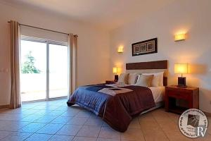 Alvor Villa Sleeps 8 Pool Air Con WiFi - Monchique