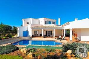 Alvor Villa Sleeps 8 Pool Air Con WiFi