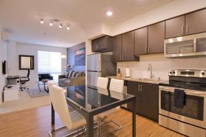 Urban Flat 1BR/1BA Apartments @ Park 20 - Half Moon Bay