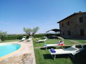 Paciano Villa Sleeps 12 Pool WiFi