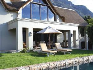 Vredehoek Villa Sleeps 8 Pool WiFi - Monteray