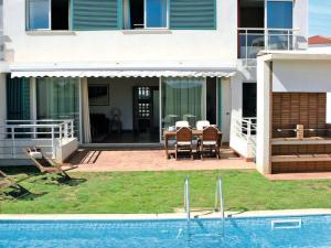 Amoreira Apartment Sleeps 9 Pool Air Con WiFi - Amoreira
