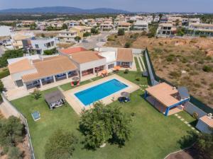 Montes de Alvor Villa Sleeps 10 Pool WiFi - Castelhanas