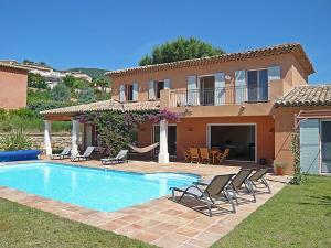 obrázek - Pardigon Villa Sleeps 10 Pool Air Con WiFi