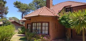 Chalet Tinta Roja, Prázdninové domy  Villa Gesell - big - 26