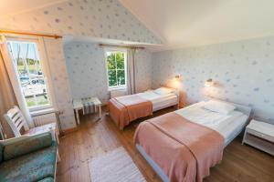 Standard Twin Room with Sea View Brudhall Hotel & Restaurant
