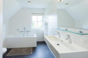Buitenplaats Witte Raaf aan Zee, Villas  Noordwijk - big - 40