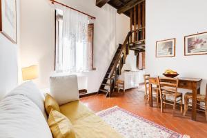 amazing suite Vicolo del Fico - abcRoma.com