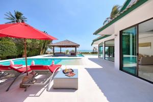 Beachfront Villa Baan Flora