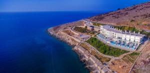 Stone Beach - Qeparo