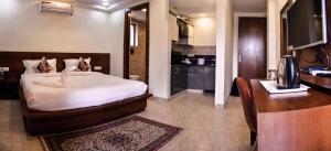 Grand Oyster Service Apartments, Апарт-отели  Гургаон - big - 35
