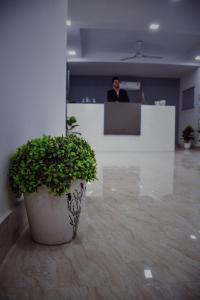 Grand Oyster Service Apartments, Апарт-отели  Гургаон - big - 37