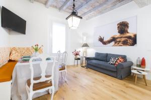 GetThekey San Vitale Apartment - AbcAlberghi.com