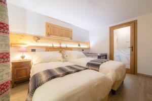 Maison Julie-lungo la via Francigena - Hotel - Etroubles