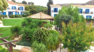 Hylatio Tourist Village, Апарт-отели  Писсури - big - 103