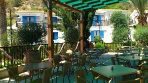 Hylatio Tourist Village, Апарт-отели  Писсури - big - 65
