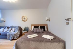 Unit Short Rent Apartment by Warsaw Metro Station
