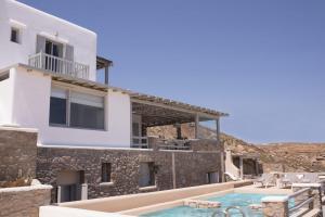 Mykonos Villa Sleeps 9 Pool T478487