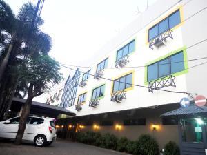 Hotel Augusta Jakarta, Джакарта
