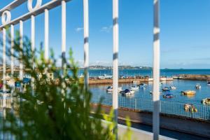 obrázek - Luxury Apartment on Paignton Harbour (Sleeps 6)
