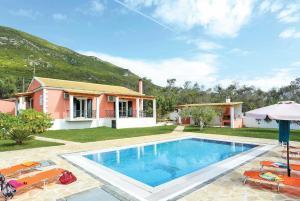 Agios Mathaios Villa Sleeps 6 Air Con WiFi - Agios Ioannis Peristerion
