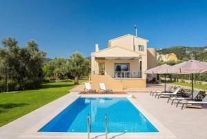Fryni Villa Sleeps 8 Air Con WiFi - Apolpaina