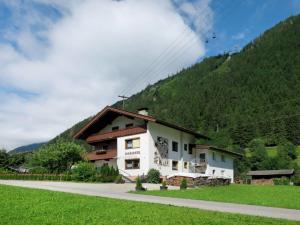 obrázek - Sankt Jakob in Haus Villa Sleeps 36 WiFi