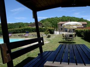 Fratticiola Selvatica Villa Sleeps 8 Pool WiFi - Casacce