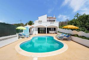 Maritenda Villa Sleeps 8 WiFi