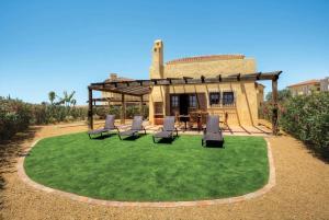 La Algarrobina Villa Sleeps 5 Air Con WiFi - Antas