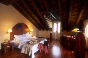 Hotel El Rancho - Торрекабальерос