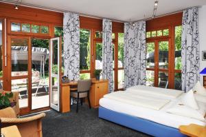 Villa Waldperlach by Blattl, Affittacamere  Monaco di Baviera - big - 6