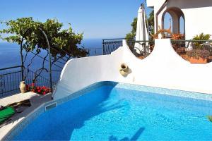 Furore Villa Sleeps 4 Pool WiFi - AbcAlberghi.com