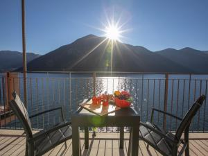 Blue View Lugano Lake – Waterfront Cocoon - AbcAlberghi.com