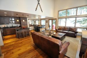 Gorgeous Spacious 4 bedroom Townhome w/ Garage - Hotel - Vail