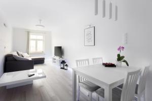 AKURATNY Apartment