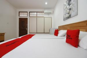 RedDoorz Plus near Plaza Indonesia, Guest houses  Jakarta - big - 9