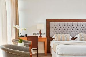 Grecian Bay Hotel (2 of 88)