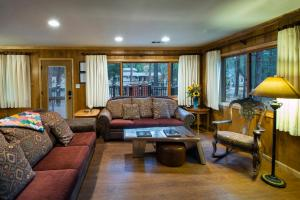 Yosemite's Buss Stop, Holiday homes  Wawona - big - 32