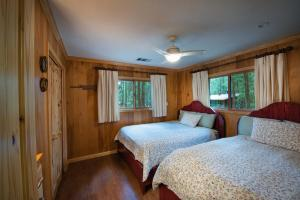 Yosemite's Buss Stop, Holiday homes  Wawona - big - 48