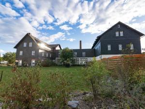 Kaue und Remise und Gästehaus - Gleima