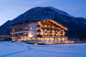 Hotel Bergland - Pertisau am Achensee