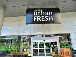 TVHR - Luxury 2 BDR CN Tower and Lake View Condo, Appartamenti  Toronto - big - 11