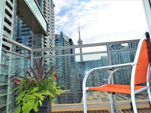 TVHR - Luxury 2 BDR CN Tower and Lake View Condo, Appartamenti  Toronto - big - 17