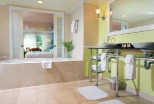 Ocean Key Resort & Spa (9 of 30)
