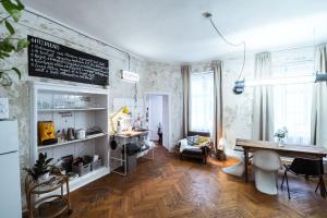 a SZOBA apartman, 7621 Pécs
