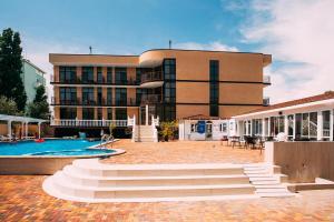 Гостиница Miracle&N, Джемете