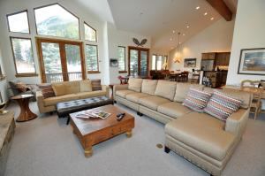 Luxury 4 bedroom home with an amazing setting in East Vail - Hotel