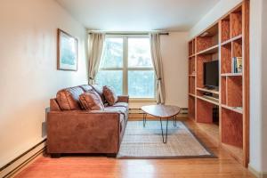 Hill Condo 1200 - Apartment - Big Sky